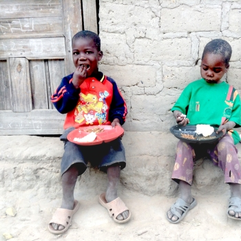 Zimba | Children Eating